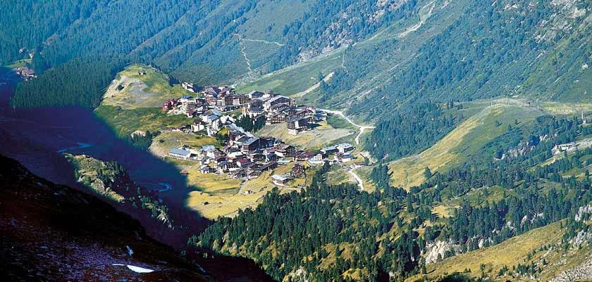 Austria_Obergurgl-summer_Town-view.jpg